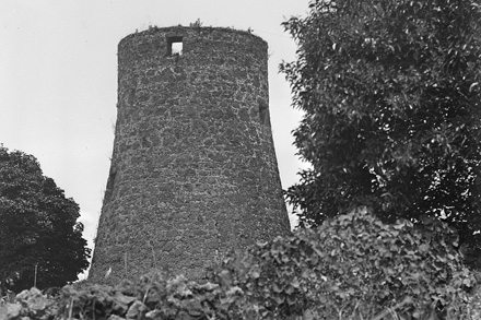 Bycrofts Windmill, 1923.